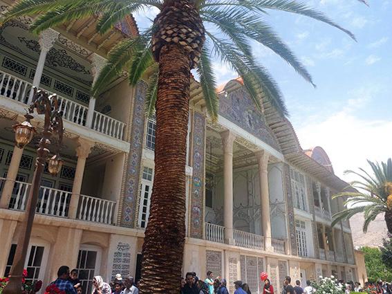 بازدید تیم گلگشت مرکز قلب و عروق شهید رجایی از شهر باستانی شیراز